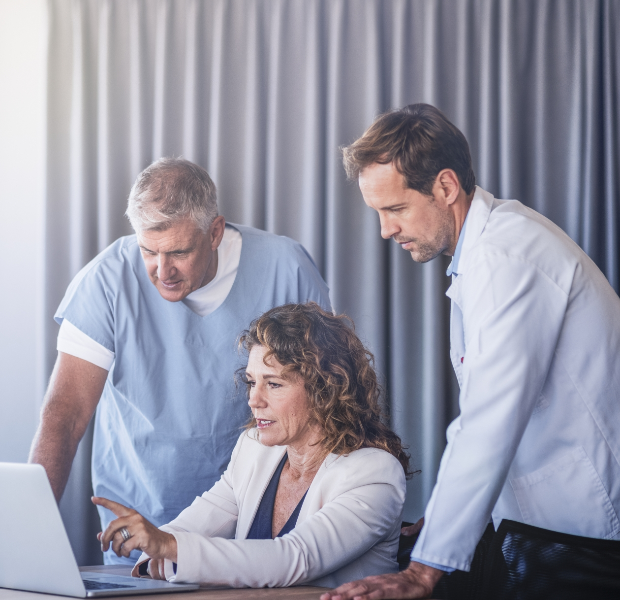 Data Management Platform for Utilization Management Organization@2x